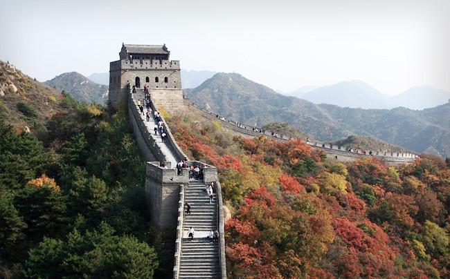 Самое крупное архитектурное сооружение в мире, протяженность составляет 8851,8 километров