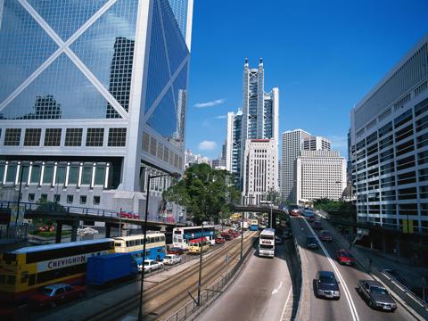Одна из оживленных улиц в центре города