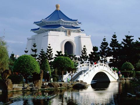 Мемориал Чан Кайши в одному из президентов Китайской республики Тайбэй Кратко по Тайбэю chan kaishi taipei