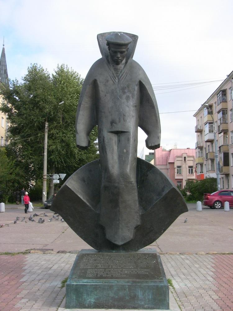 Памятник юнгам, которые пожертвовали собой в годы Великой Отечественной войны
