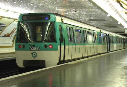 Метро Парижа.jpg