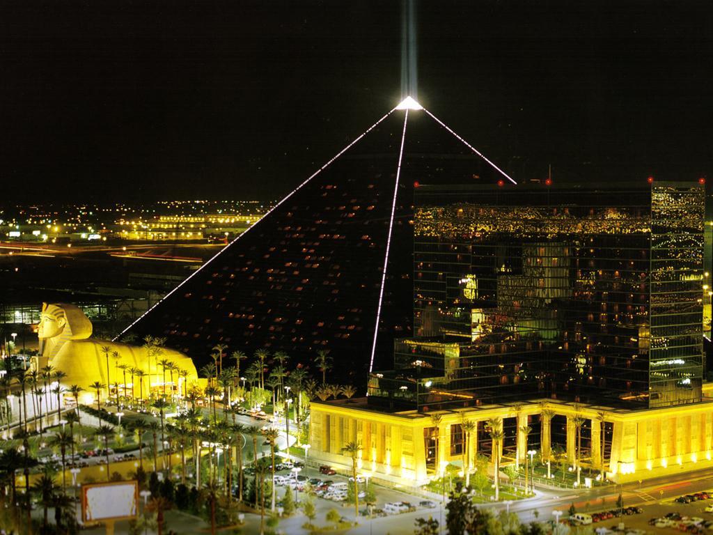 Luxor Inclinator.jpg