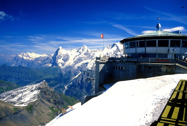 8. Ресторан Piz Gloria, Шилтхорн - вершина в Бернских Альпах.jpg
