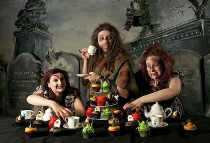 Отправиться на Хэллоуин в город привидений.jpg