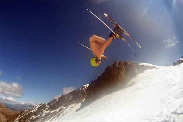 Катание на лыжах для нудистов - Obertraun, Австрия.jpg