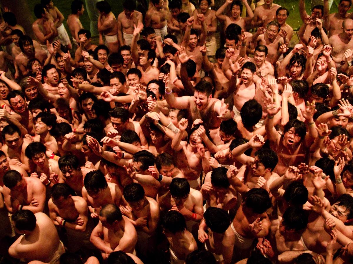Нудистский фестиваль - Hadaka Matsuri, Япония.jpg