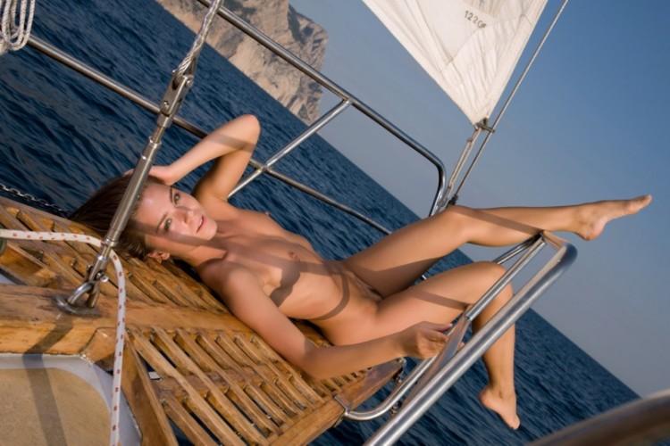 Плавание для нудистов - Хорватия.jpg