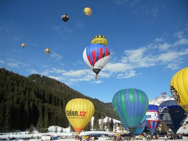 Фестиваль воздушных шаров в Фильцмосе.jpg