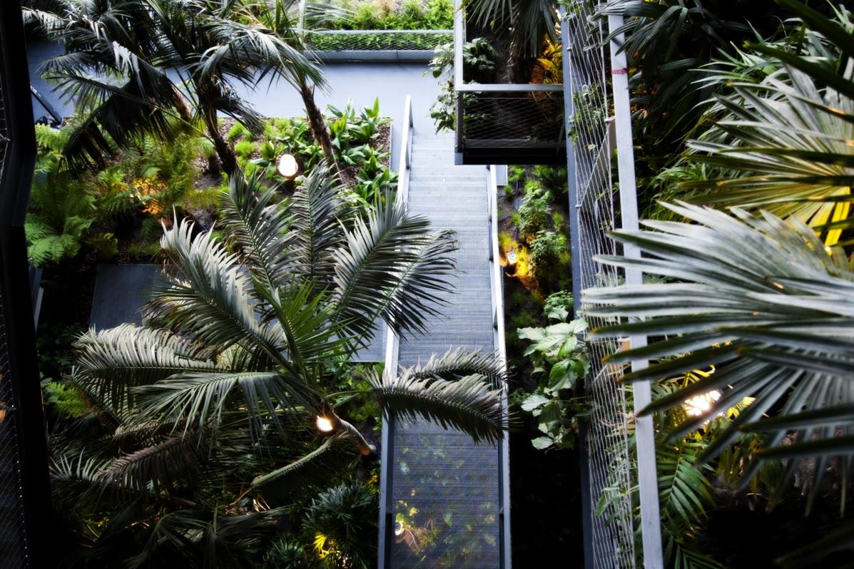 Сады отеля Renaissance Fira.jpg