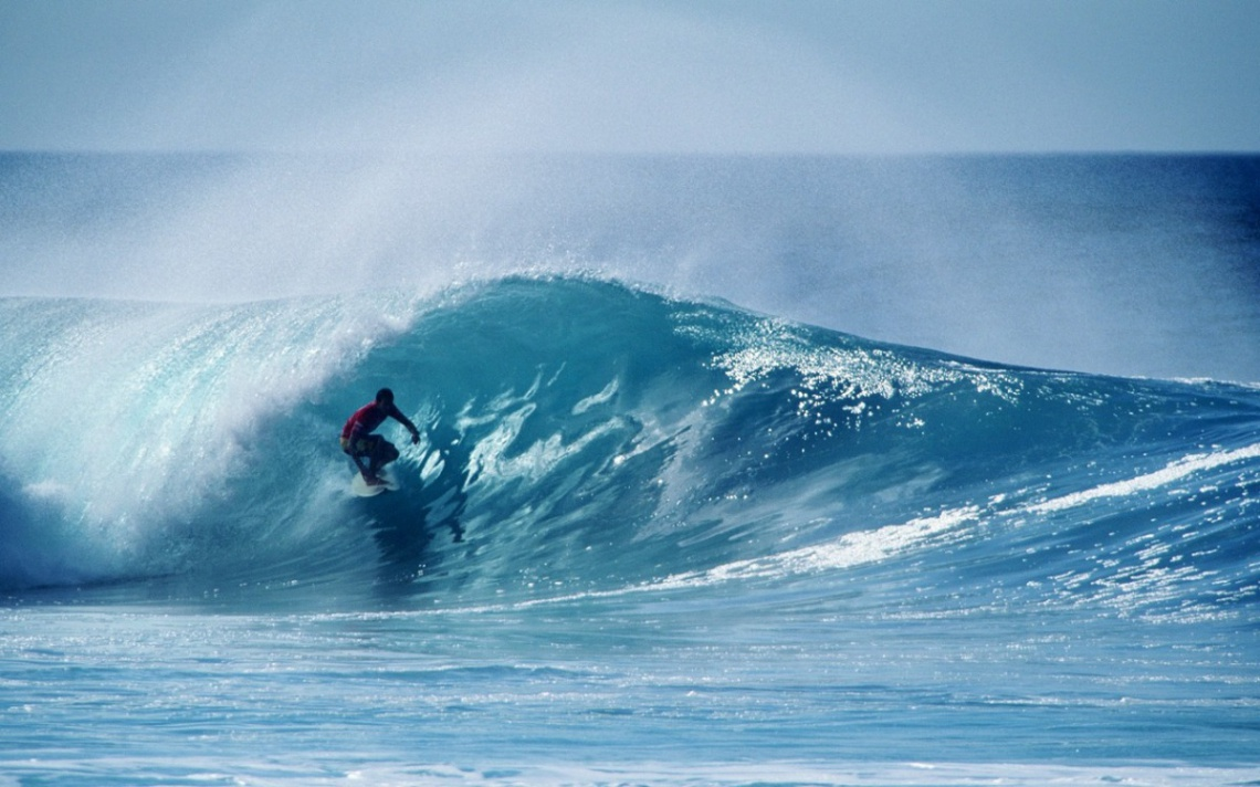 Португалия заплатит туристам за волны