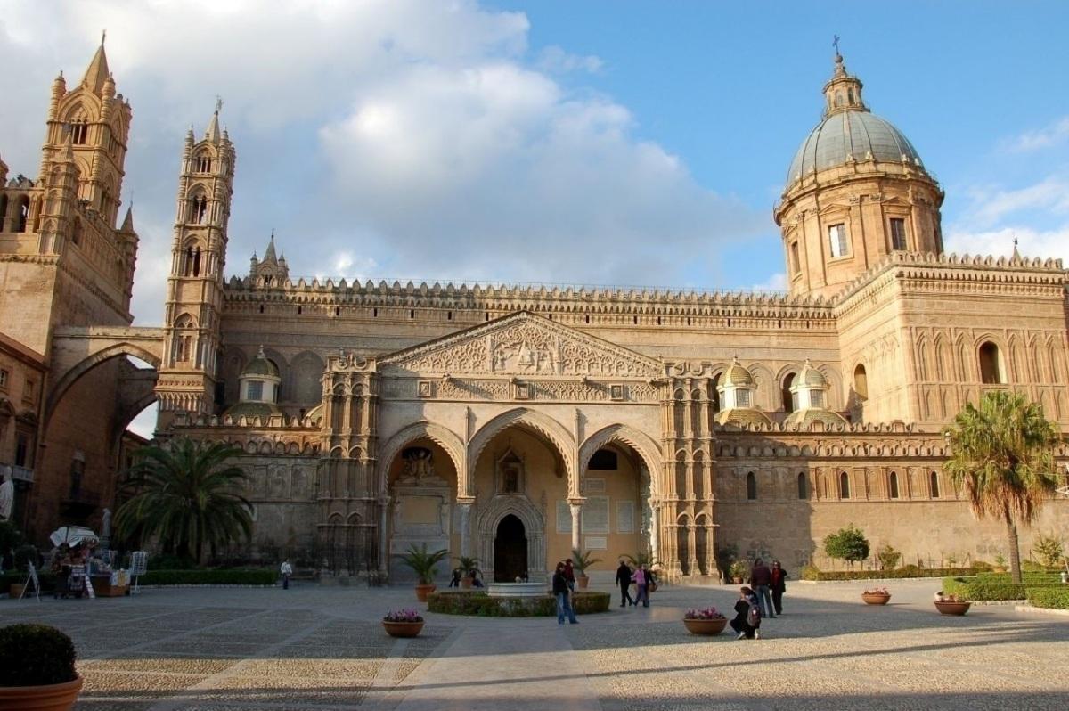 Кафедральный собор Палермо, Сицилия.jpg