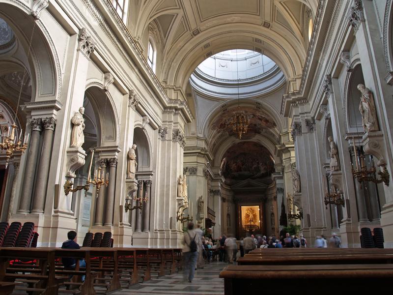Интерьер Кафедрального собора Палермо.jpg