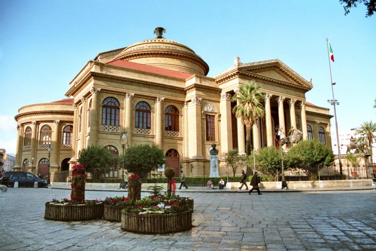 Знаменитый оперный театр Палермо (Театро Массимо).jpg