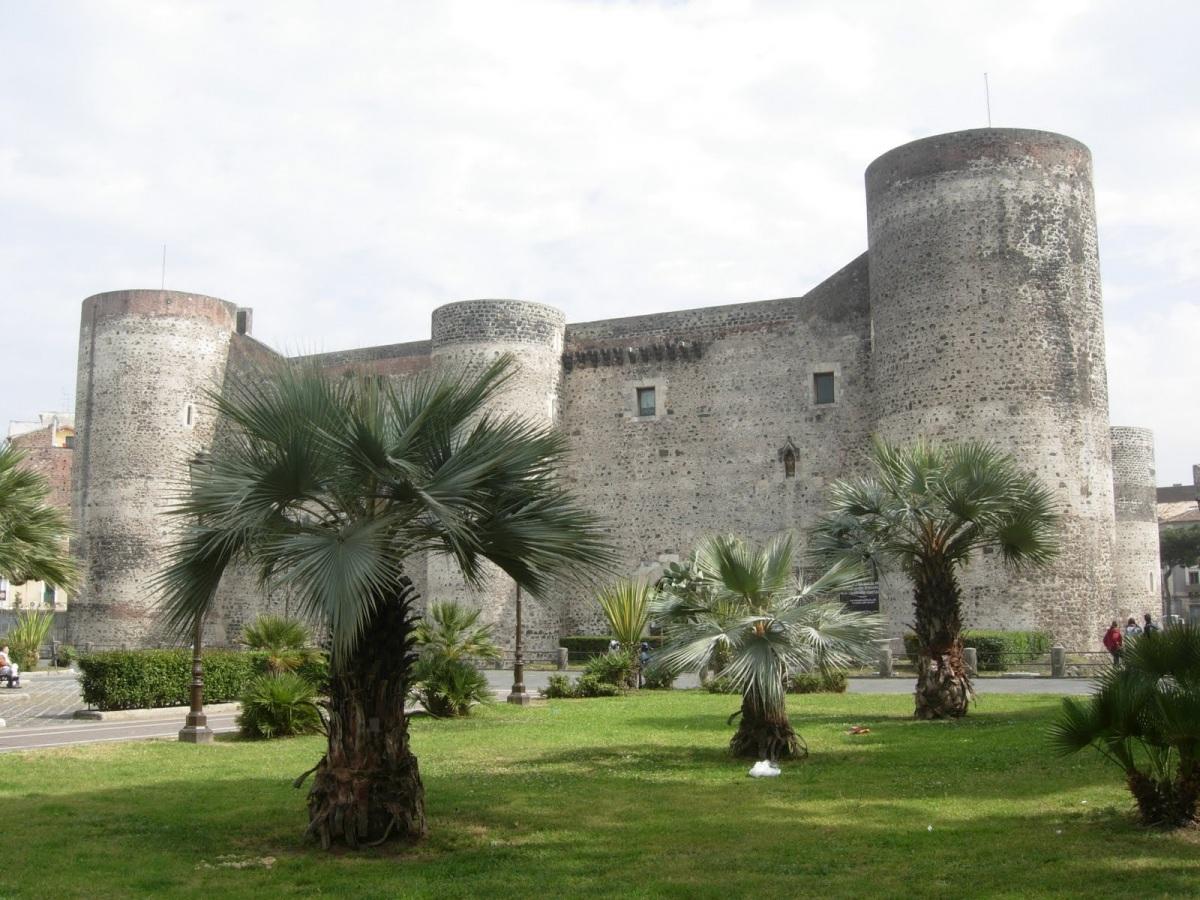 Катания, замок Урсино.JPG