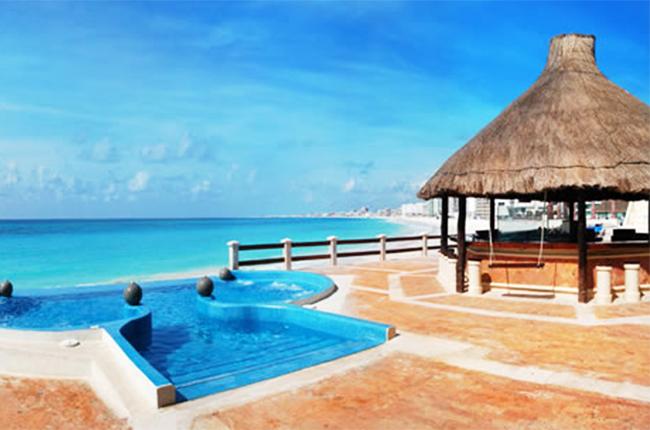 Krystal Cancun, Мексика.jpg