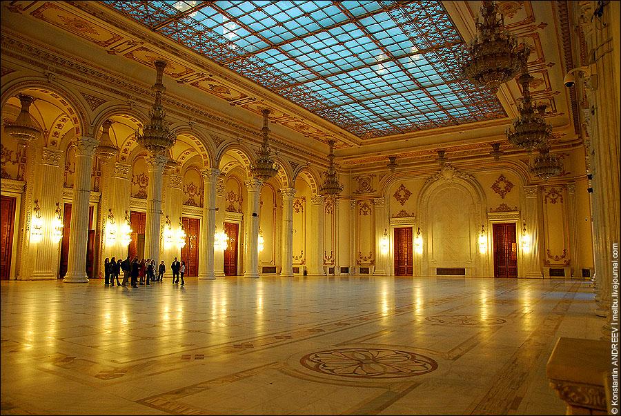 Интерьеры дворца Парламента.jpg