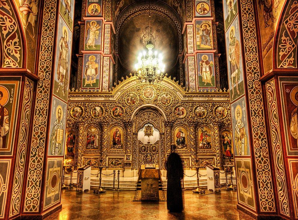 Призрак в соборе святого Михаила.jpg