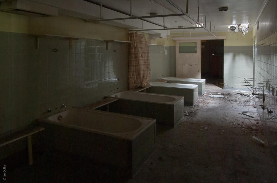 Ванны для омовения тел усопших, Willow Court