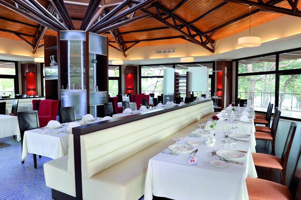 Столовая отеля Marti Myra.jpg