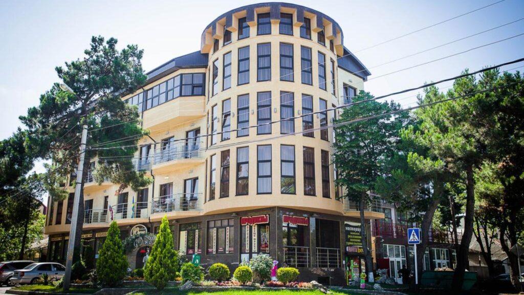 Отель Юнона
